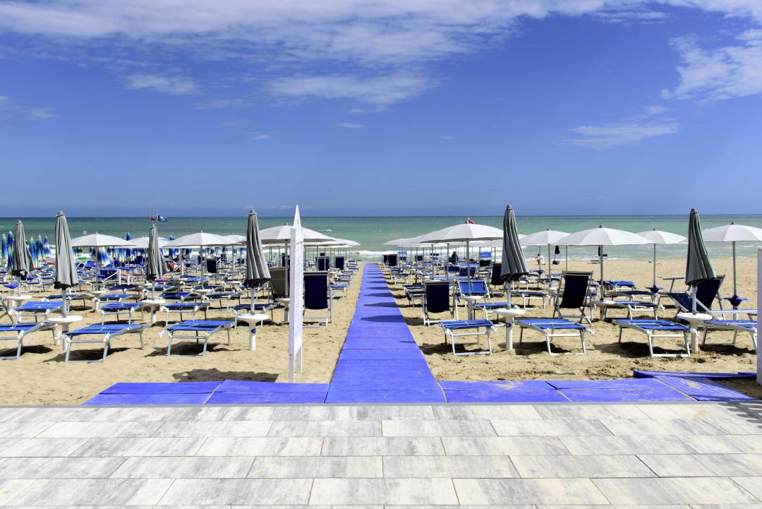 Hotel alba adriatica in abruzzo hotel ad alba adriatica - Hotel con piscina abruzzo ...